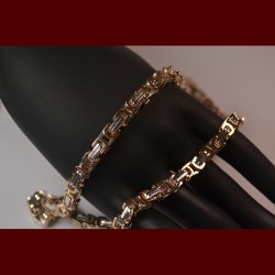 "Chain Byzantine ""square"""