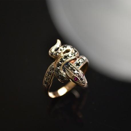 Ring Snake with Black Diamonds