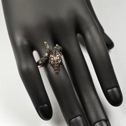 Sõrmus musta teemandid